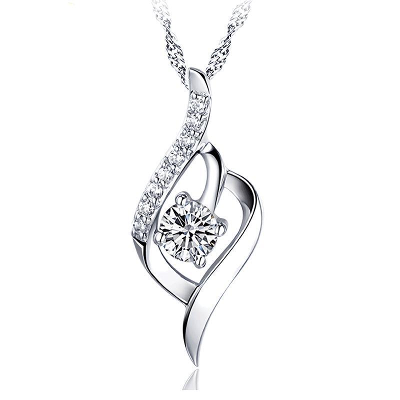 Mode Hati Pendant Emas Putih Bersinar Berlian Imitasi Kalung Charm Jewelry Hadiah