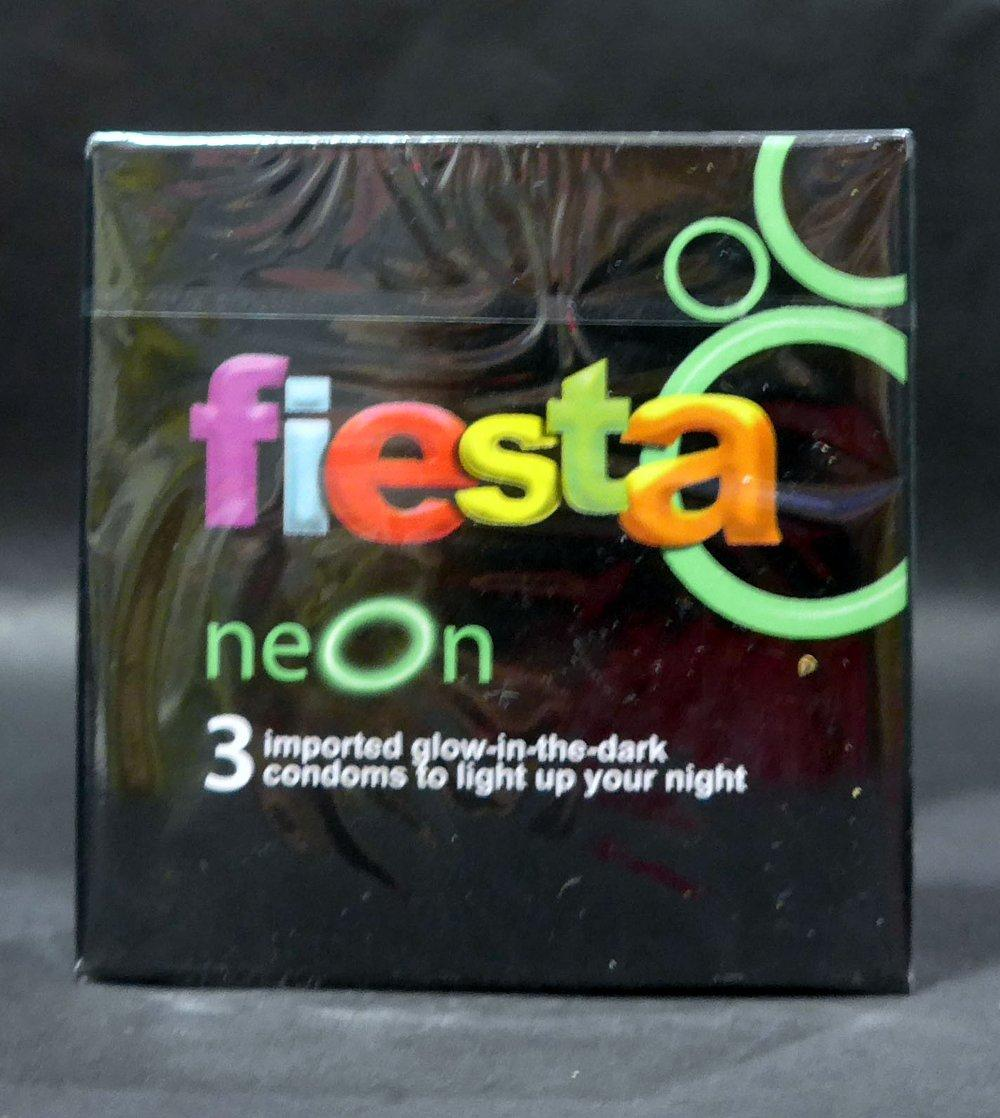 Buy Sell Cheapest 7 Pcs Kondom Best Quality Product Deals Sutra Merah Isi 12 Fiesta Neon 3pcs