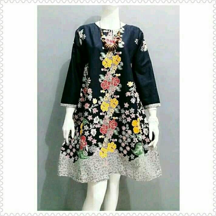 ... Couple Sarimbit Batik Modern Seragam Batik Keluarga Bulan Ini. Source · Atasan Batik Wanita / Atasan Wanita / Baju Batik Wanita / tunik / Baju Kerja /