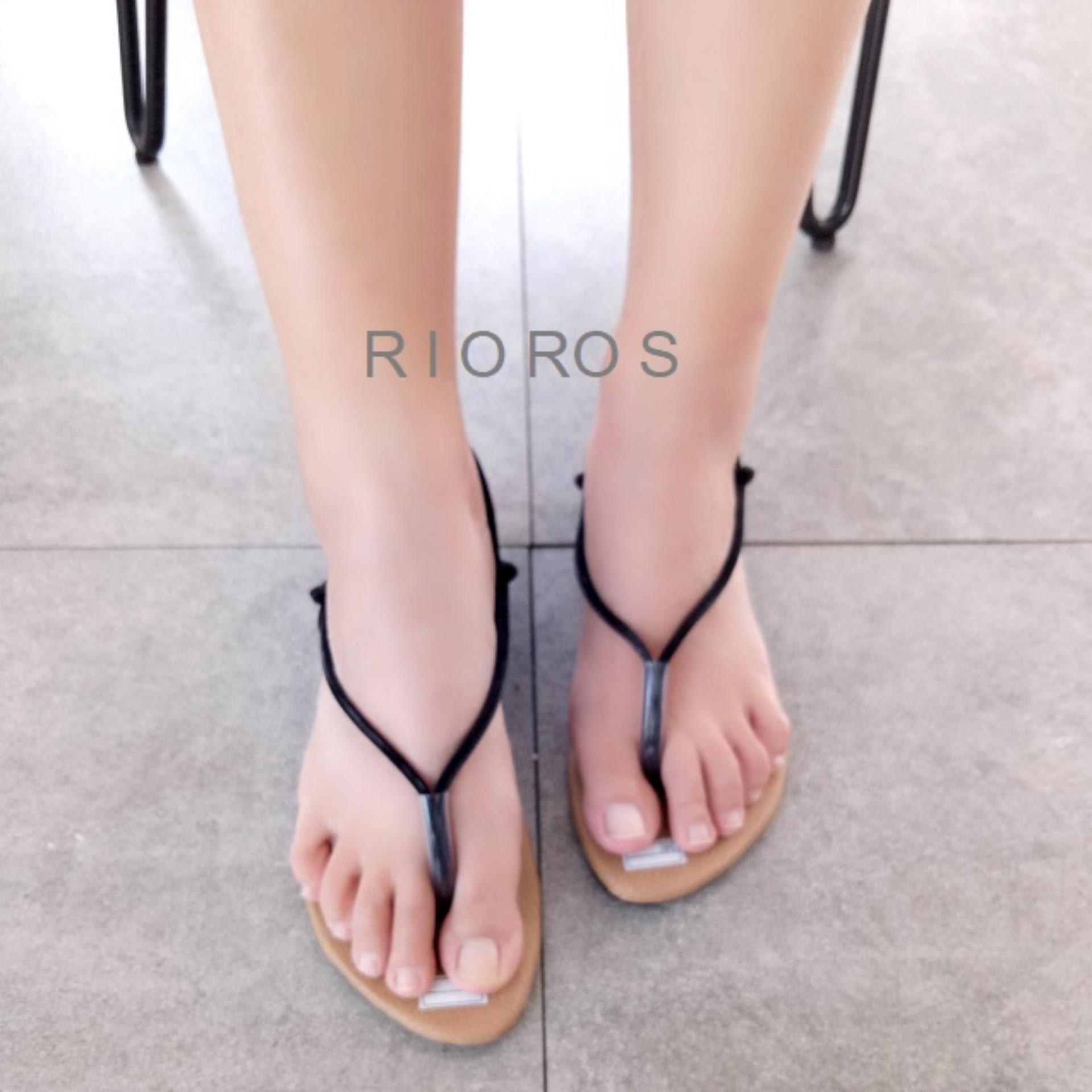 Rioros - Sandal Wanita Flat Tali Calista - Hitam