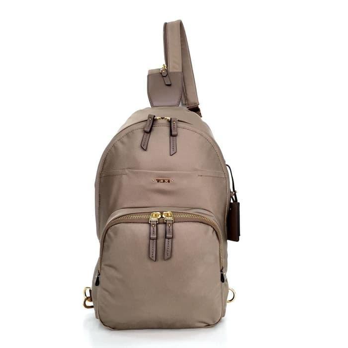 KING OF DRIBBEL- TUMI Voyageur Nadia Convertible Backpack am