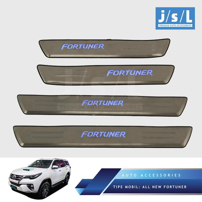 All New Fortuner Side Scuff Plate W/ Lamp Inner Stainless