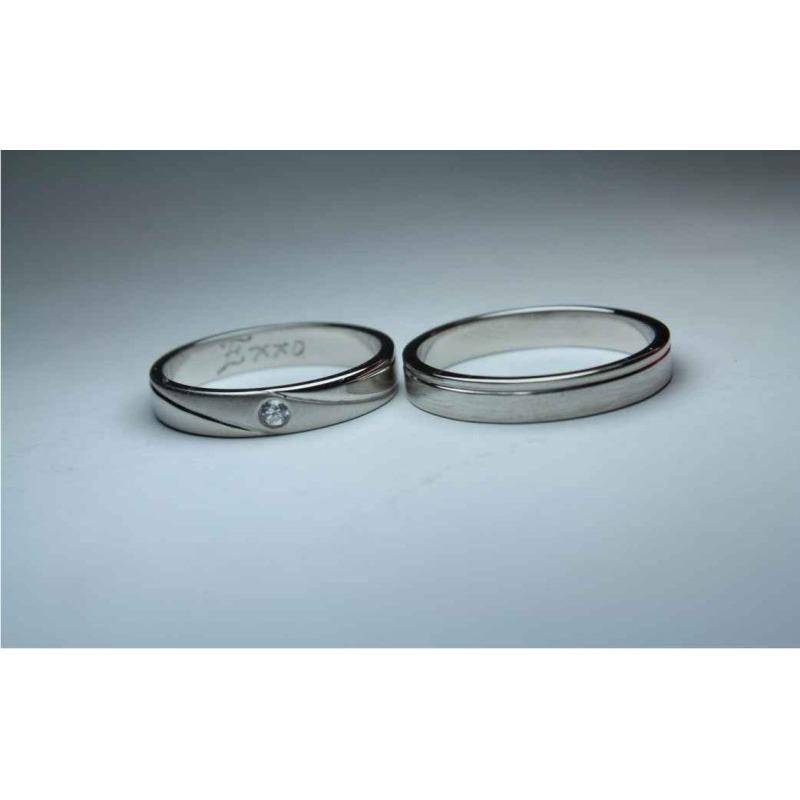 sepasang cincin nikah emas putih 14k AuAg