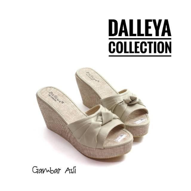 5fb3fd63e693 Rp 41.900. ELVY - Dalleya realpict sandal wanita realpict wedges selop  cantik murah berkulitasIDR41900