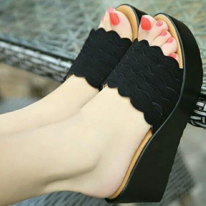 Sandal Wedges Wanita MR108 Hitam