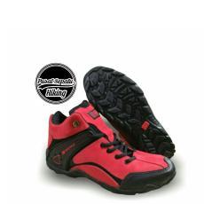 Sepatu Gunung Pria - Sepatu Karrimor Boots - Sepatu Hiking - Sepatu Outdoor  - Sepatu Tracking f0ef6126b1