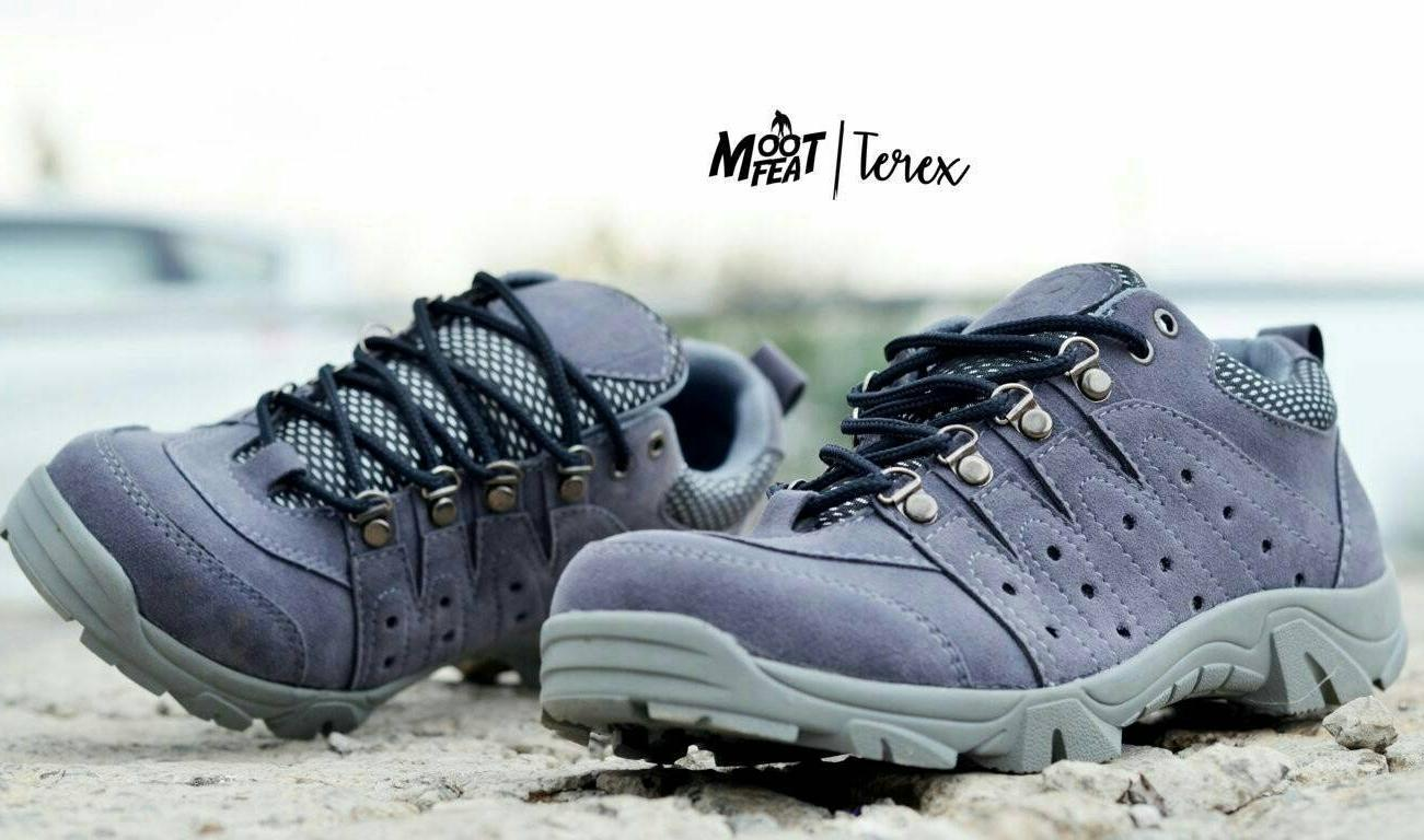 Harga Sepatu Converse Kulit Terbaru Termurah November 2018 Ter Boots Humm3r Underground Moofeat Gaya Kasual Trendi Terkini Terex Slipon Kanvas Vans Pantofel Abu