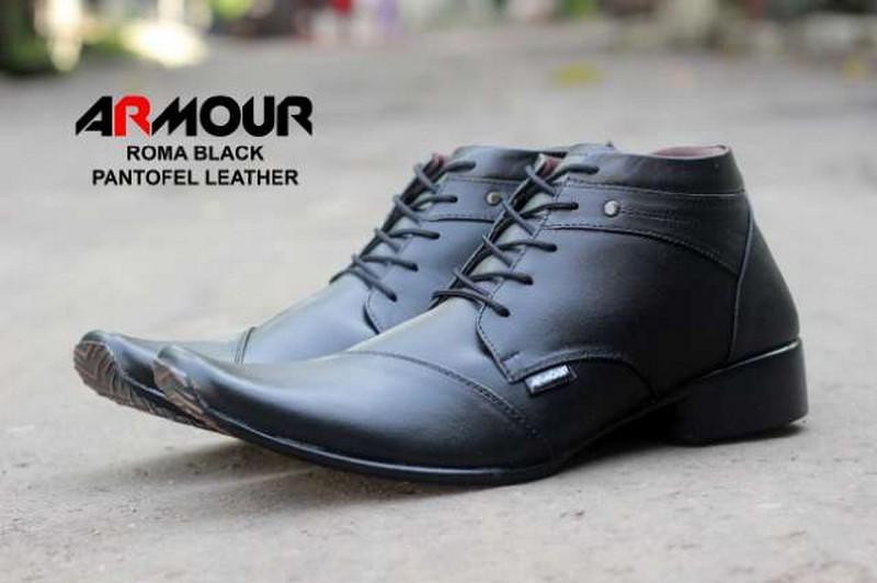 Sepatu Boot Kulit Asli Clarks Sepatu Casual Murah Sepatu Kerja Pria  Pantofel Formal Pesta Pantopel d6afcc8f9d