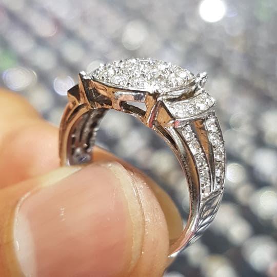 Cincin Berlian 0.84 Carat Ring Emas 40 % 6.10 Gram Fashion Wanita