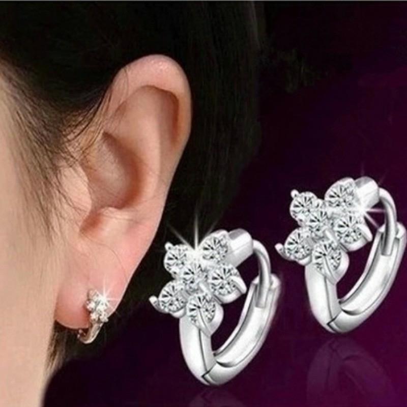 Silver Plated Snowflake Full Crystal / Anting-Anting Wanita
