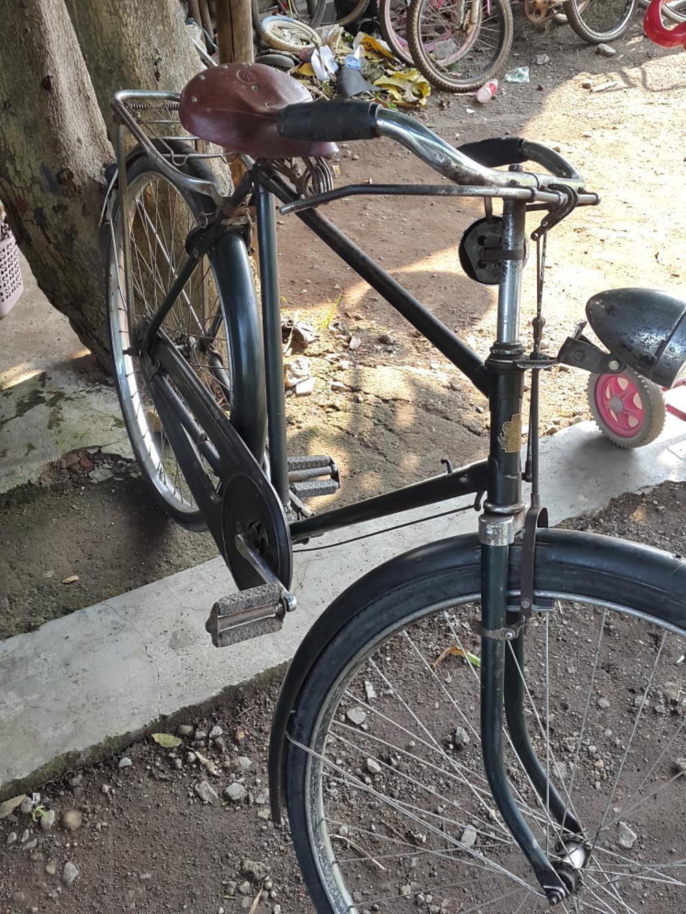 Sepeda Onthel Forever Produksi Tahun 60An