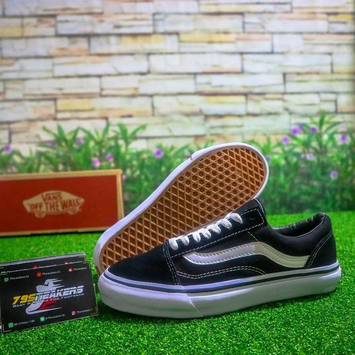 Sepatu Vans Oldschool Man & Woman Premium Original - UDH1 / 3 -  Sneakers original -  Sepatu Pria Keren -  Fashion Pria Terpopuler - Best Seller