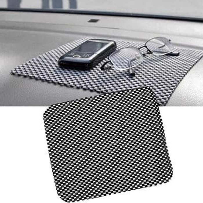 Taplak Karpet Anti Slip Mat Licin Tatakan Dashboard Mobil Car 20x21 Cm Terlaris Bibumarket By Bibumarket.