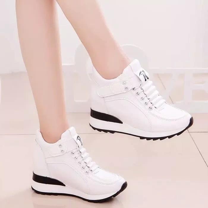 Sepatu kets boots putih baru murah Ezell Shop