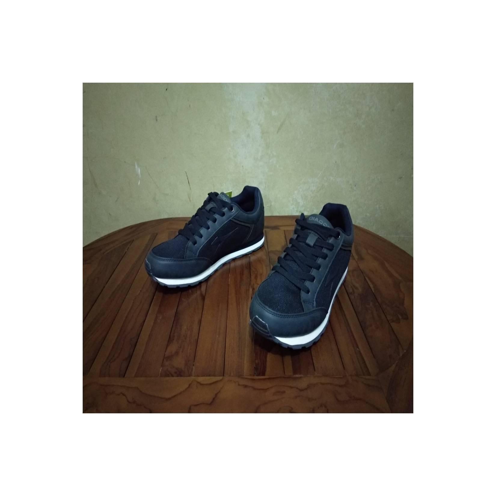 Sepatu Running / Olahraga Diadora Dante Nav Original, Murah (Not Nike)