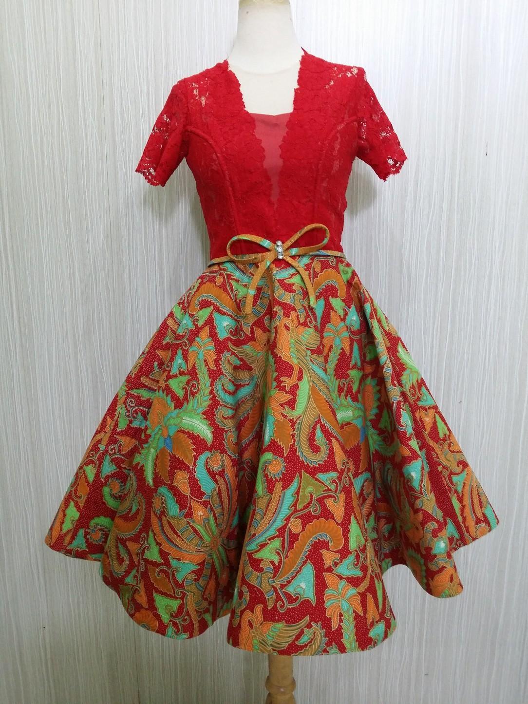Dress Batik Pesta Modern Katun Kombinasi Brokat Dress Batik Modern Mekar Merah DRS MEKAR RR1784 MR