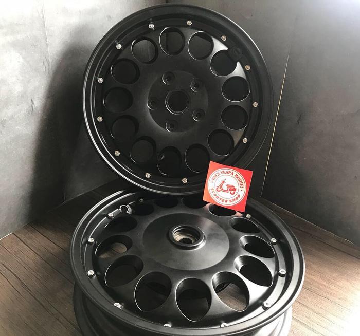 Velg Vrossi Quattro Black Untuk Vespa Matic
