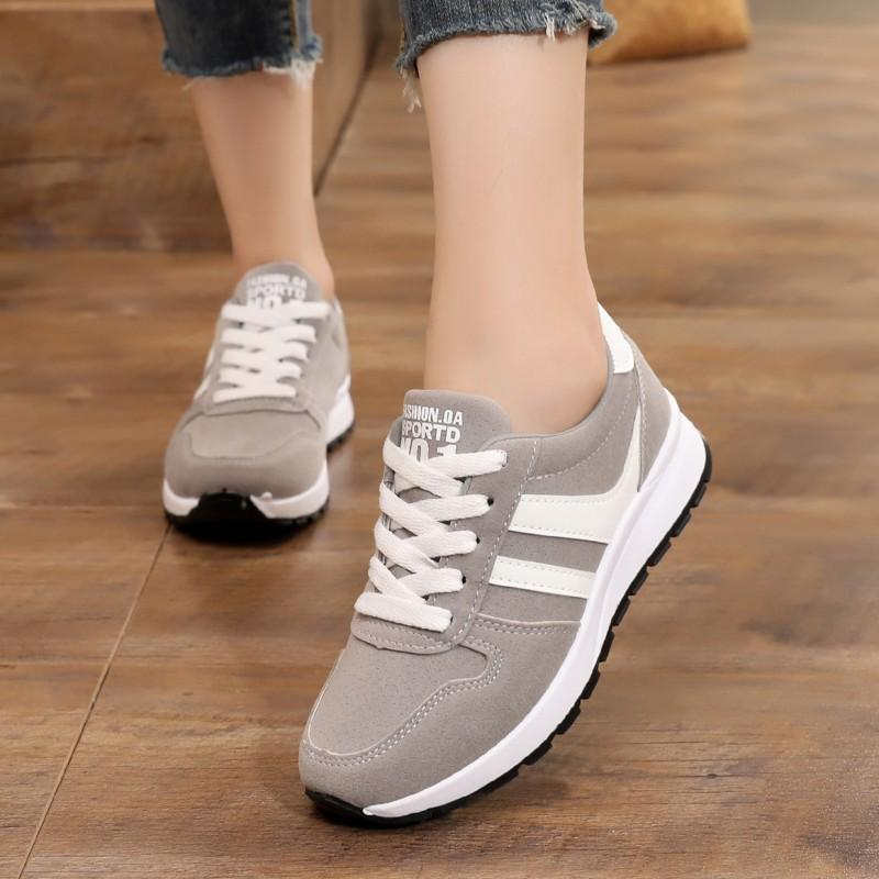 2019 Musim Semi dan Musim Gugur murid sepatu sneaker rendah tali sepatu sol datar Gaya Korea Warna Merah Jambu sepatu olahraga Hak Datar sepatu kasual wanita Sepatu Olah Raga