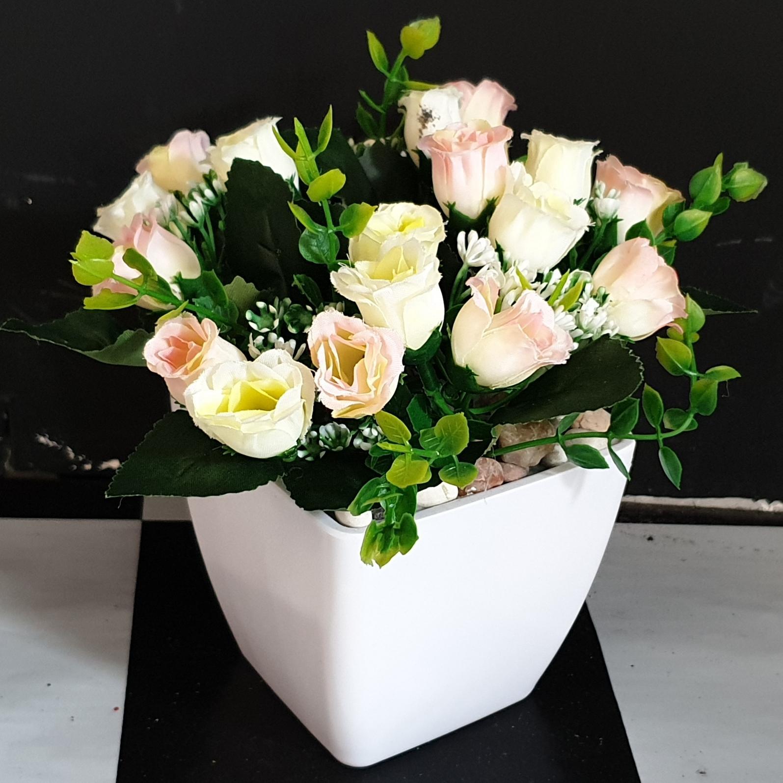 Bunga Mawar Terbaru - Bunga Pajangan - Bunga Hias Plastik - Tanaman  artifisial Pot Plastik FV188A 24fb9d0764