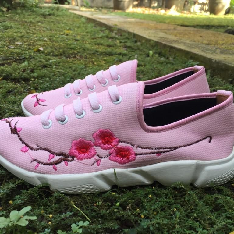 Rembulan Sneakers wanita bunga Pink