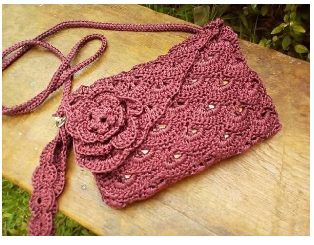 tas rajut wanita selempang bunga rose maroon