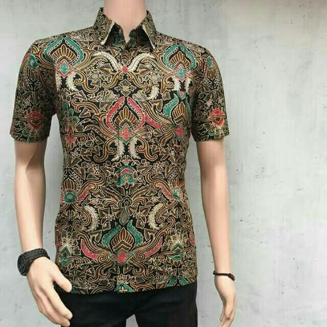 Baju batik pria/Kemeja Moderen/ Kemeja Batik Pria/ Kemeja Lengan Pendek motif batik cirebon