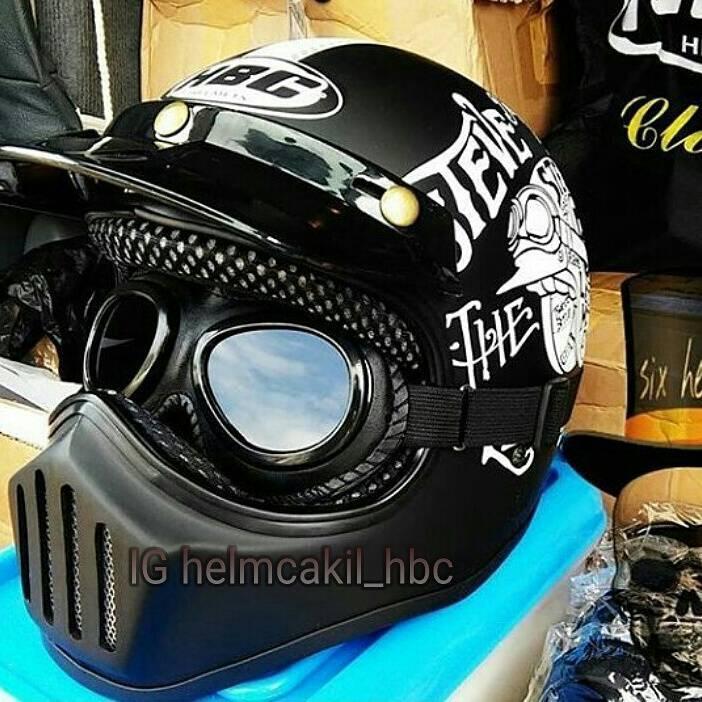 Helm Bogo / Helm Retro / Helm Retro Bogo / Helm Classic / Helm Klasik / Helm Vintage / Helm Antik / Helm Jadul / Helm Lawas / Helm Half Face SNI / HELM CAKIL Kacamata Hitam Black / Aksesoris Perlengkapan Berkendara / Aksesoris Fashion Pengemudi