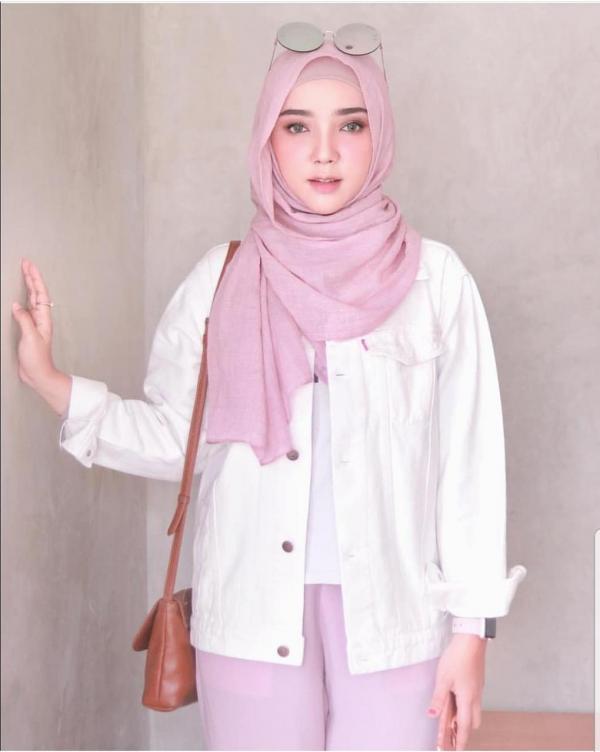 Oversize Jaket Jeans - Baju Muslim Murah Terbaru 2018 Grosir Pakaian Wanita Busana Pesta Modern Gamis Syari Maxidress Setelan Couple Tunik Atasan Blouse Celana Kulot Rok Khimar Hijab