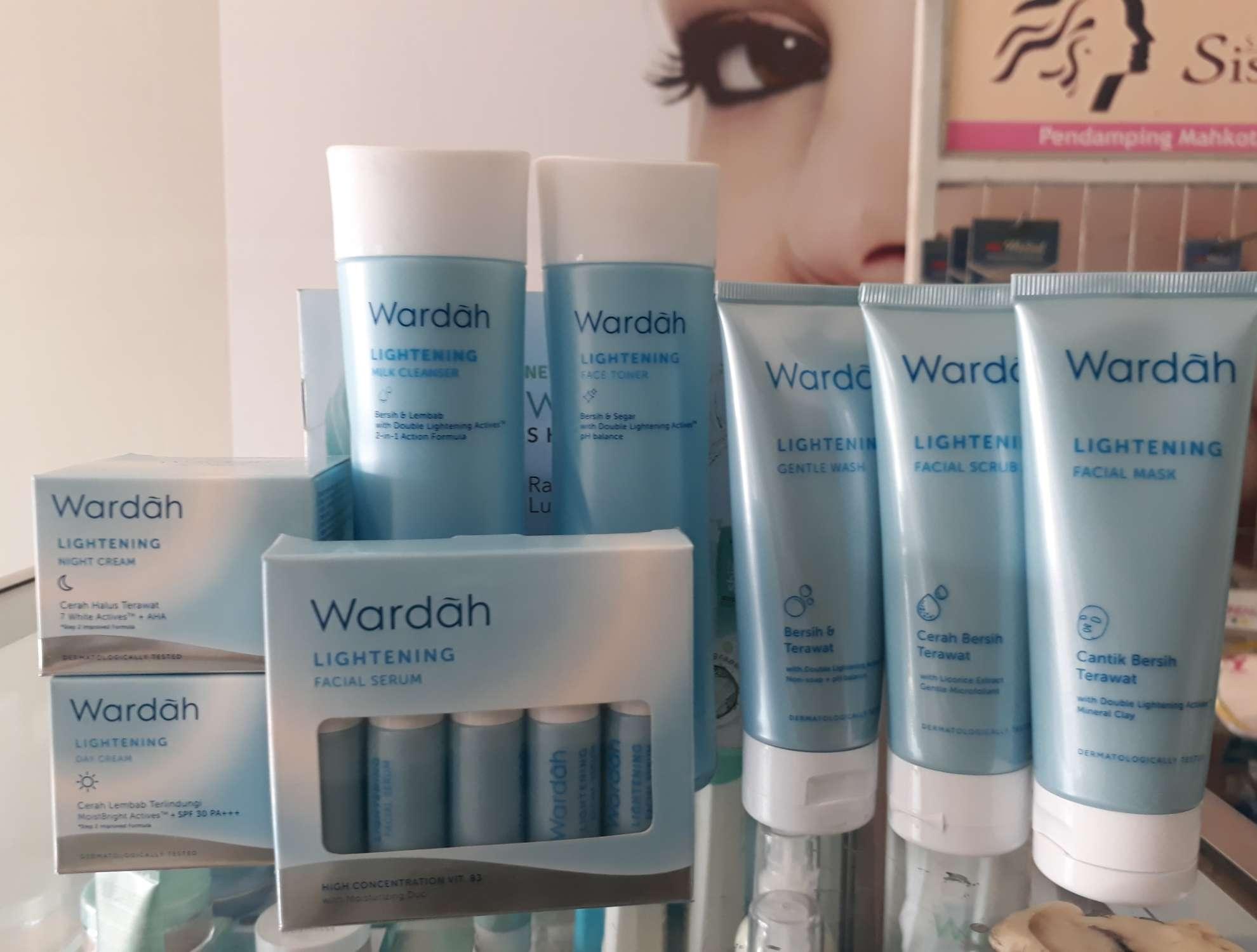 Wardah Cosmetics 1 Lightening Face Toner 150 Ml Paket Series Isi 8