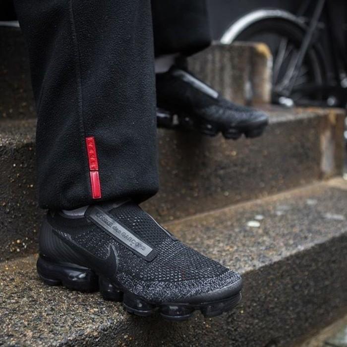 Nike Vapormax Cdg  Triple Black  Premium Original / Sepatu Olahraga - Wiygat