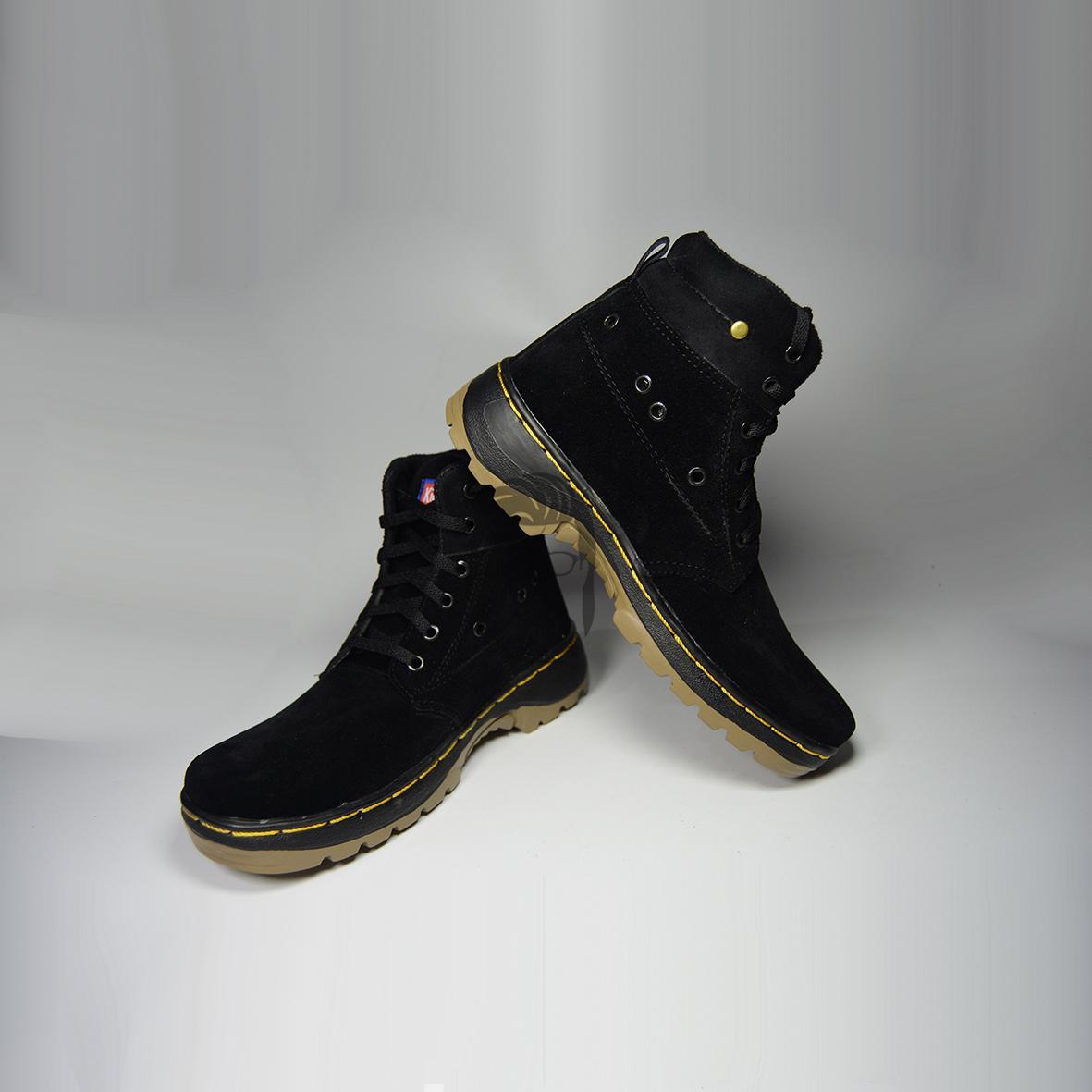 Kibaws sepatu boot tinggi hitam full untuk hangout dan acara formal