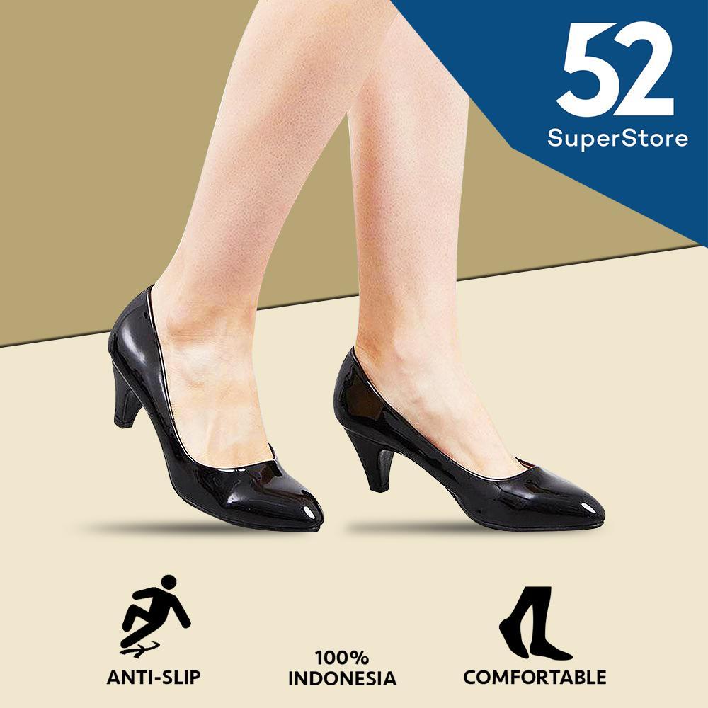 Regina Sepatu Pantofel Wanita 1611-115 - Black (HAK 5 cm)