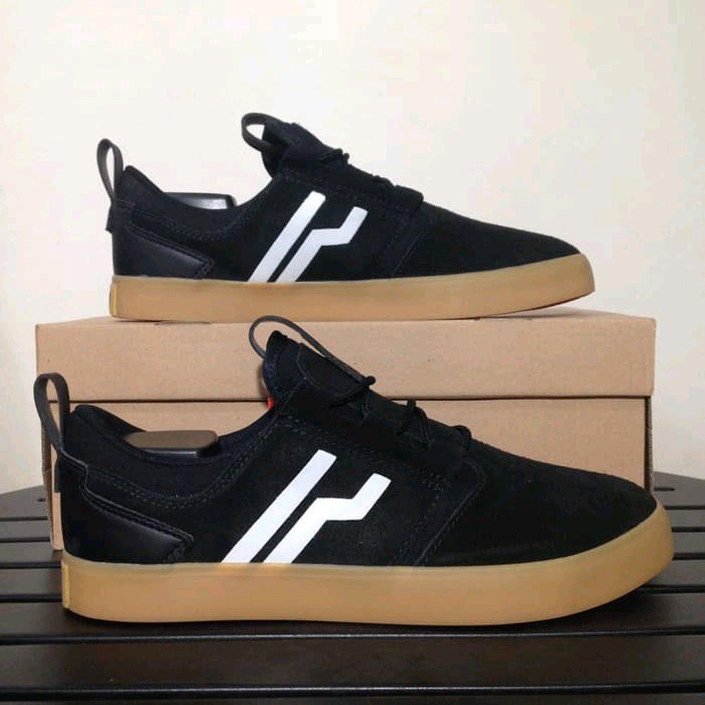 Shoes Piero Sepatu Sneakers Eva Trainer Dark Pack Hitam Bremen Black Gum