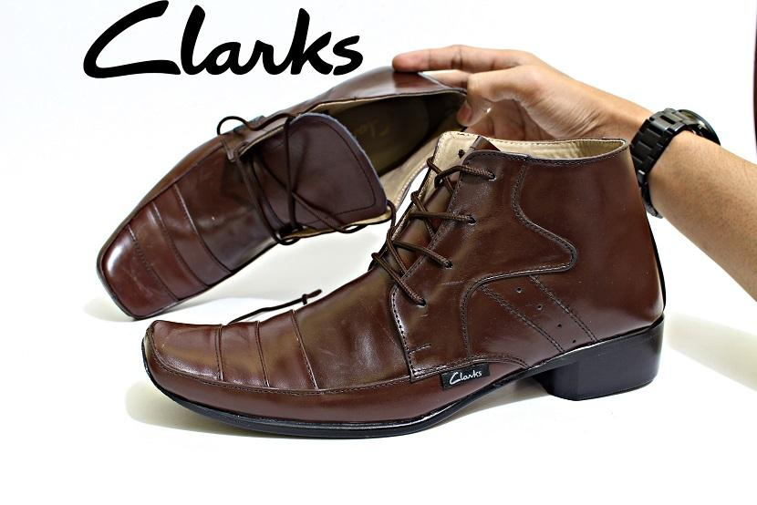 Sepatu Pantofel Clarks Pria Kulit Asli Tali High Suatan Black Brown Adidas Kickers Crocodile Bally Nike Caterpillar Formal