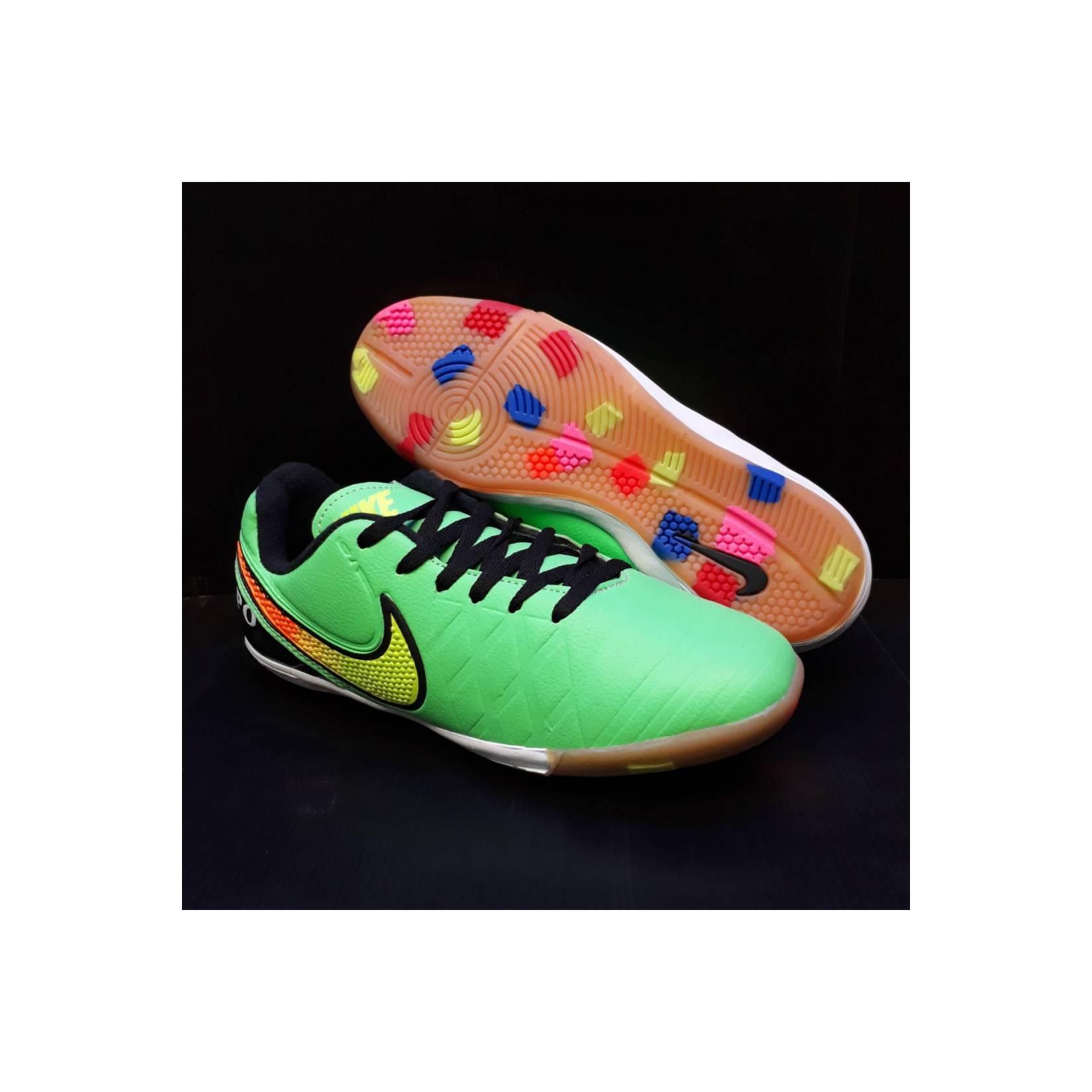 sepatu futsal Nike tiempo hitam kombinasi ijo sol karet