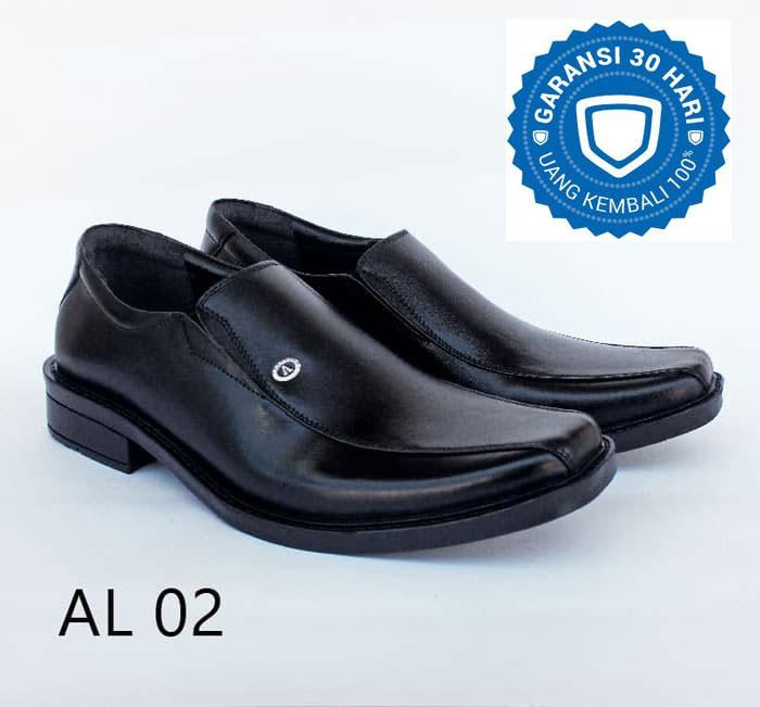 Rp 119.000. Mamojo Sepatu pantofel pria / Sepatu Pantofel Kulit / Sepatu / Sepatu Fashion / Sepatu formal / Sepatu pantofel / Pantopel ...