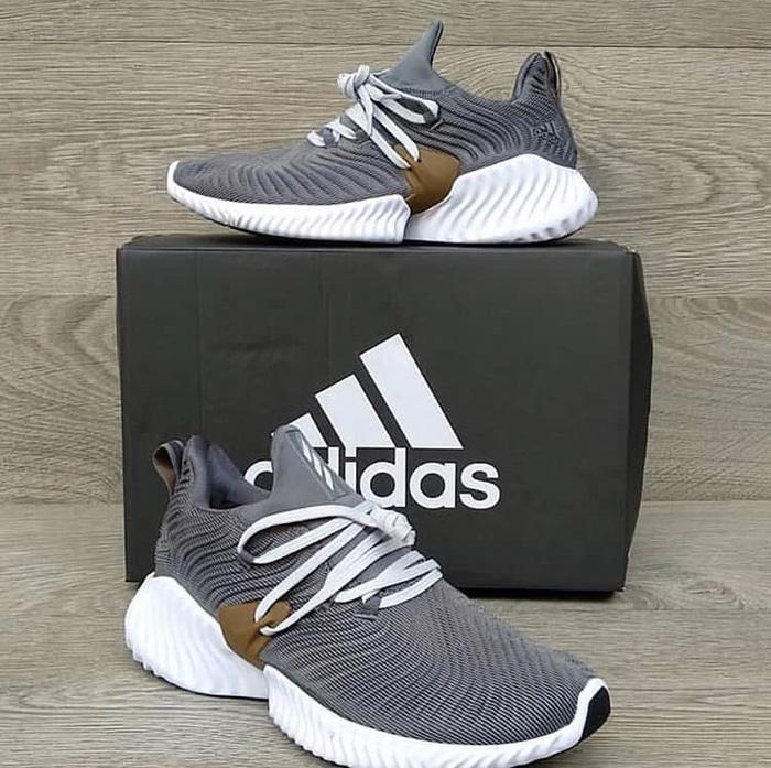 Adidas Alphabounce Instinct Grey Premium Original / sepatu adidas / Sepatu Pria Ori / Sepatu Pria Terlaris / Sepatu Pria Berkualitas / Sepatu Pria Limited / Sepatu Pria Premium / Sepatu Pria Sneakers / Sepatu Pria Keren / Sepatu Pria Import/ Sepatu Pria
