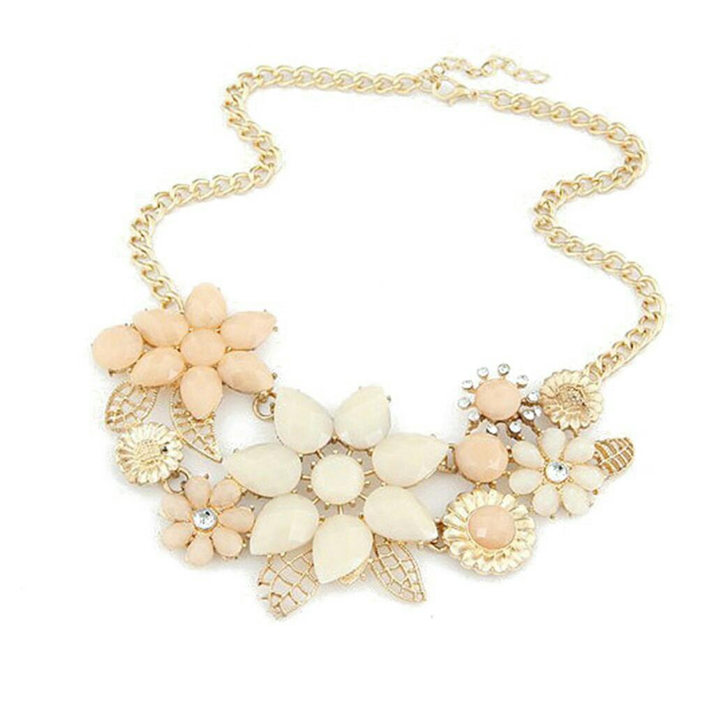 Kalung Model Bunga Rantai Lapis Emas dengan Kristal Imitasi