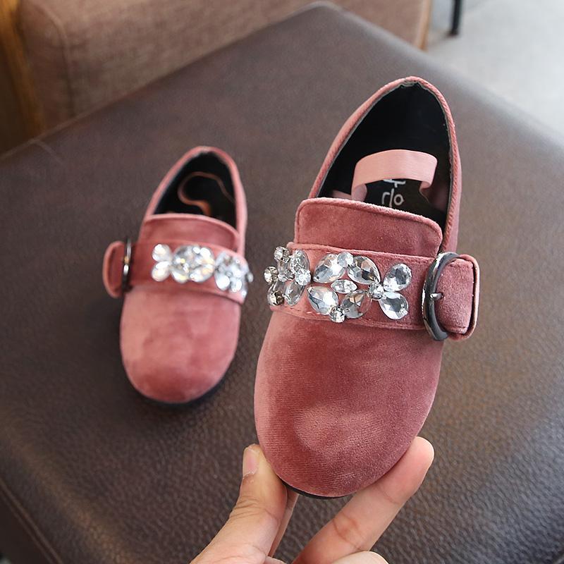 Rp 104.900. Sepatu Kulit Kecil Suede Musim Gugur Sepatu Putri Korea Fashion Style Batu Kristal AirIDR104900. Rp 106.900. Anak prempuan Sepatu Kulit 2018 ...