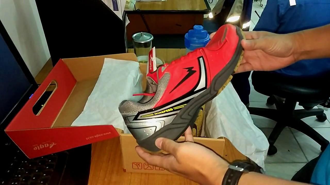 Jual Beli Eagle Genesis Sepatu Badminton Putih Merah Harga Rp 359900 White Blue 38 Winspeed