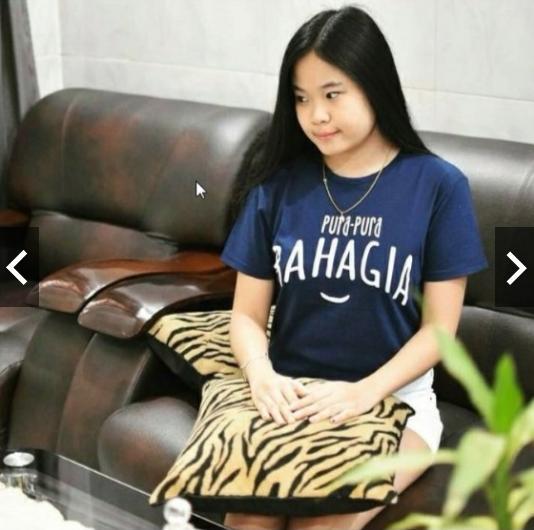MichelleStore T-shirt / Kaos Wanita Pura-Pura Bahagia - Navy