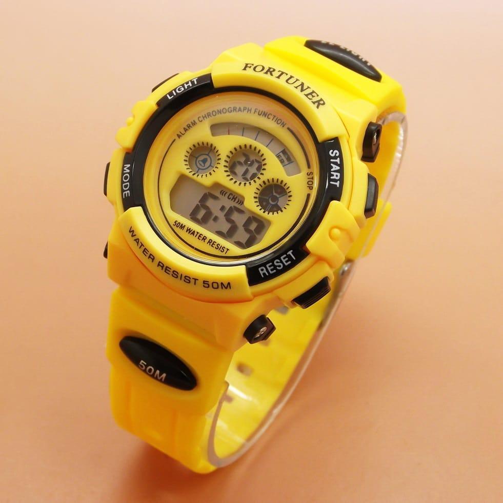 Fortuner Jam tangan sport wanita rubber strap Digital