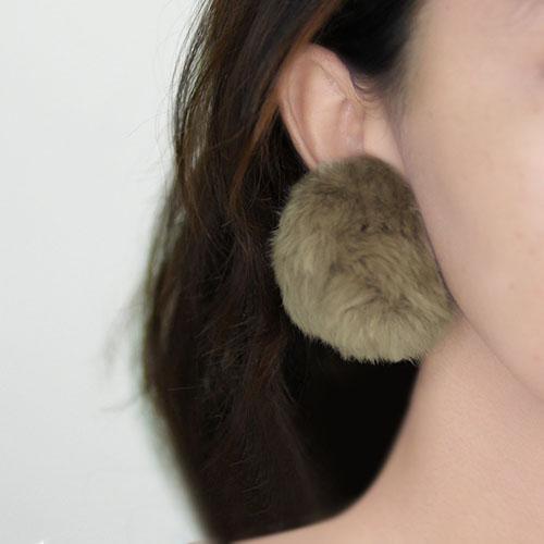 Anting  Sweet PomPom Earrings NOV048