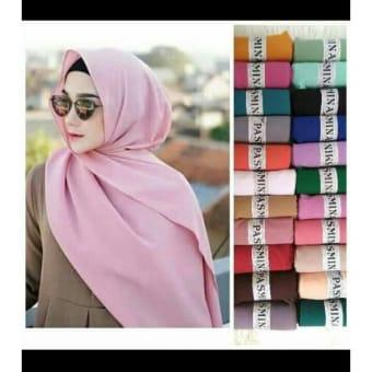 Jilbab Pasmina Hijab Pasmina Polos Basic Panjang Jilbab Diamond Italians / Diamond Crepe/Abu Abu