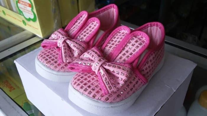 Sepatu Pink Rabbit
