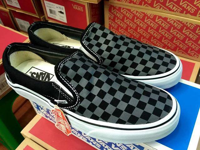 Murah -  Vans Jop slip on cm black pointer / sepatu running