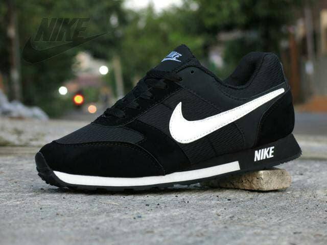 Sepatu Casual Kets Sport Nike MD Runner / Waffle Trainer Hitam Putih - jPFgkI