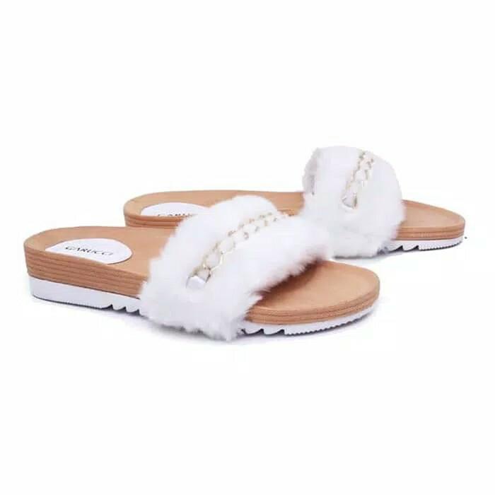 Sandal wanita / Sandal perempuan Sendal Teplek Terbaru Sendal Jepit wanita Bulu syahrini putih kelu