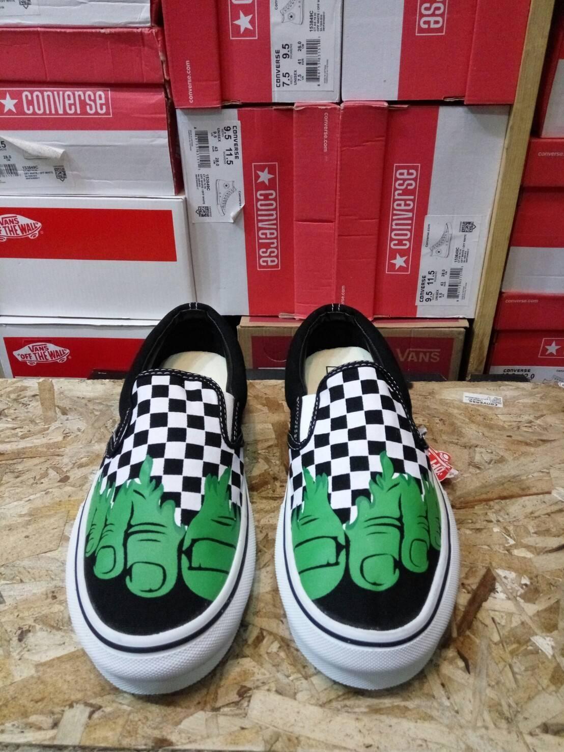 Sepatu Sneakers Vans Slip-On CheckerBoard Hulk Of the Wall