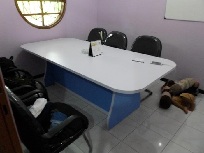 Promo Meja Rapat Kapasitas 8 Orang + Furniture Semarang Original